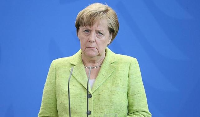 Merkel Irak'ta bağımsız Kürt devleti kurulmasına karşı