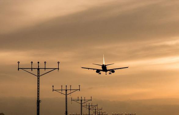ABD firmalarının İran kontrolündeki hava sahasında uçuşları yasaklandı