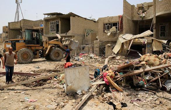 Bağdat'ta camiye intihar saldırısı: 10 ölü, 30 yaralı