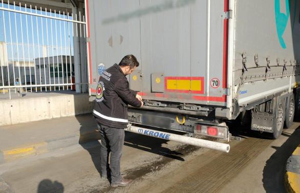 Sarp'ta 12.8 milyon liralık kaçak eşya operasyonu