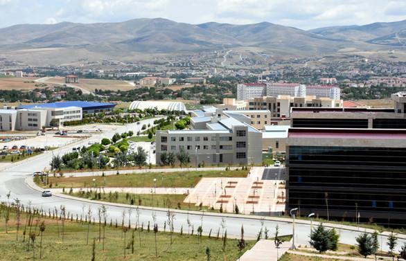 Pilot üniversitenin jeotermal projelerine yabancı yatırımcılardan ilgi