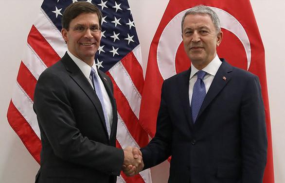 Bakan Akar ile ABD Savunma Bakanı Vekili Esper görüştü