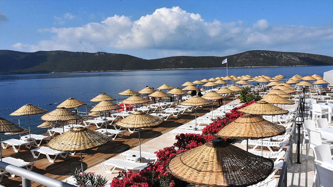 Bodrum Halk Plajı açıldı