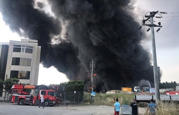Kocaeli'de fabrika yangını: 4 kişi öldü