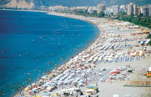 Antalya bayramda 400 bin kişiyi ağırladı