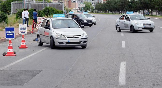 Ehliyet sınavlarına 'e-Trafik' ile anlık denetim