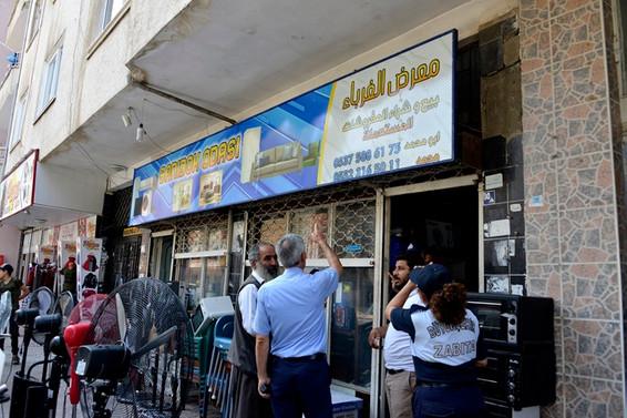 Mersin'de Arapça tabelalara uyarı