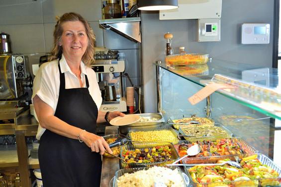 Profesyonel iş yaşamına 'Nokta'yı koyup, kendi restoranını açtı