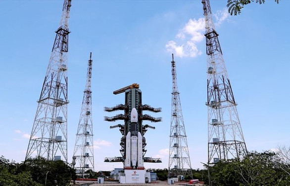 Hindistan, Chandrayaan-2'yi uzaya gönderdi