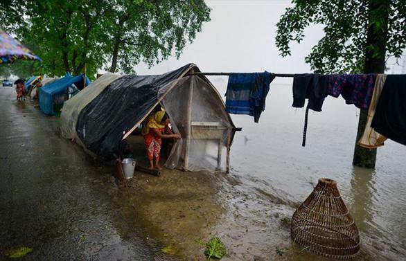 Hindistan'da şiddetli yağışlar 15 can aldı