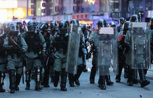 Çin'den Hong Kong hükümeti ve polisine destek