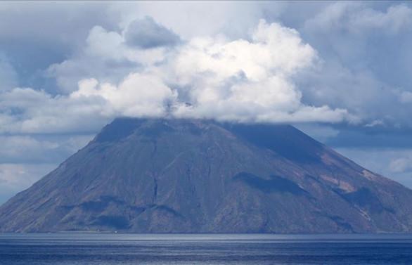 İtalya'da Stromboli Yanardağı faaliyete geçti