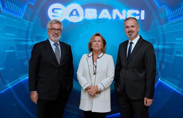Sabancı Holding'de CEO koltuğuna Cenk Alper oturdu