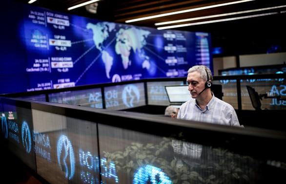 Borsa, günün ilk yarısında  yüzde 0,56 yükseldi
