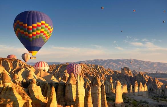Sıcak hava balon turlarından 6 ayda 43 milyon euro gelir