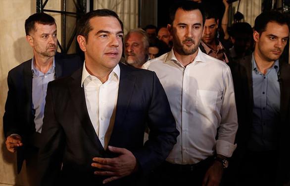 Yunanistan'da merkez sağ Çipras'ı koltuğundan etti