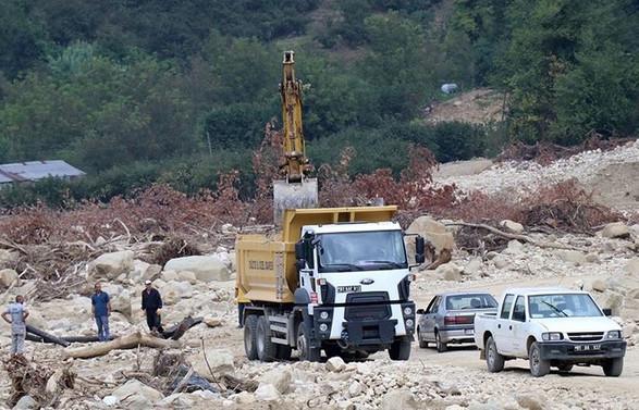 Düzce'de sel bölgesindeki çalışmalar yeniden başladı