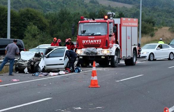 Anadolu Otoyolu'nda trafik kazası: 13 yaralı