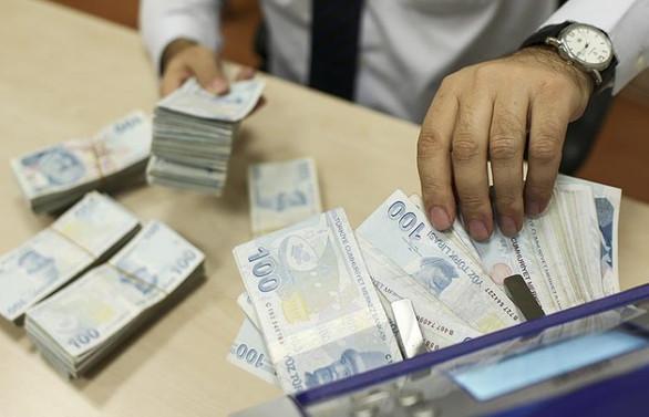 Hazine 4,7 milyar lira borçlandı