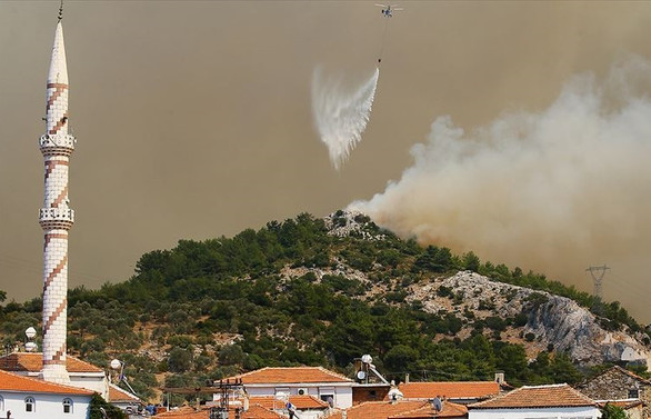 İzmir'deki orman yangını iki ilçeye sıçradı