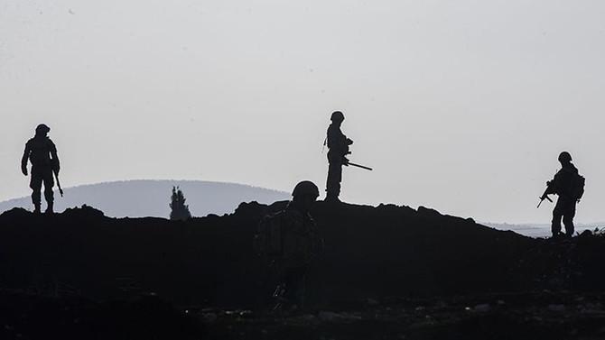 Afrin'deki üs bölgesine teröristlerden saldırı: 2 asker yaralandı