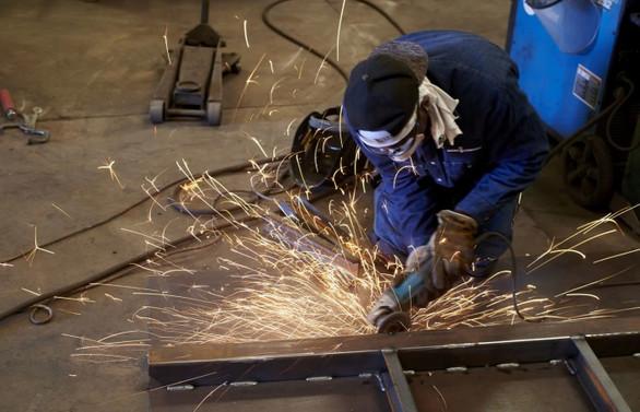 Sanayi üretimi yıllık yüzde 1,2 azaldı