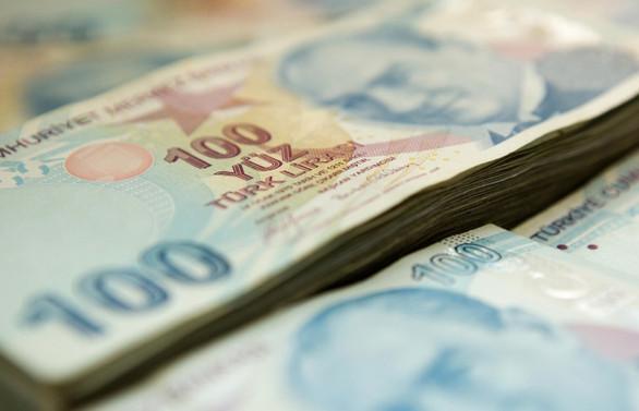 Bütçe, ağustosta 576,3 milyon lira fazla verdi
