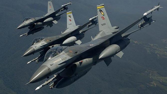 MSB: F-16'lar Suriye hava sahasında uçtu