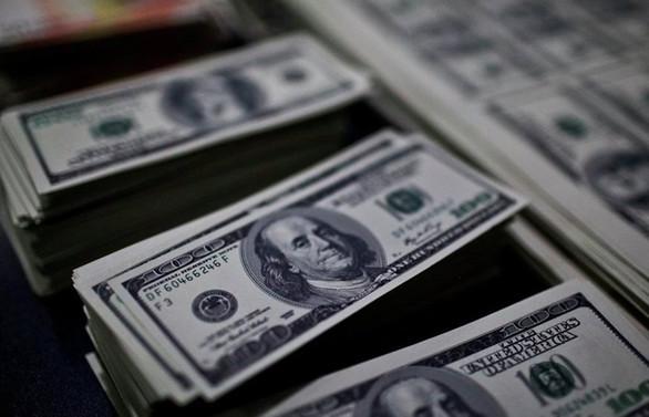Dolar yeniden 5,70'in üzerine çıktı