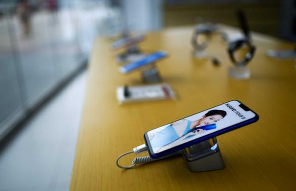Akıllı telefona 12 milyar lira harcadık