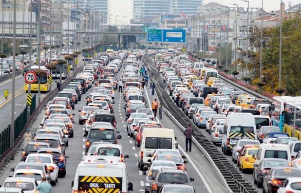 Trafiğe 7 ayda 380 binden fazla aracın kaydı yapıldı