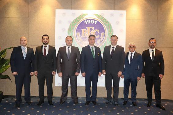 Bursa Fan Club'da Selim Yedikardeş dönemi