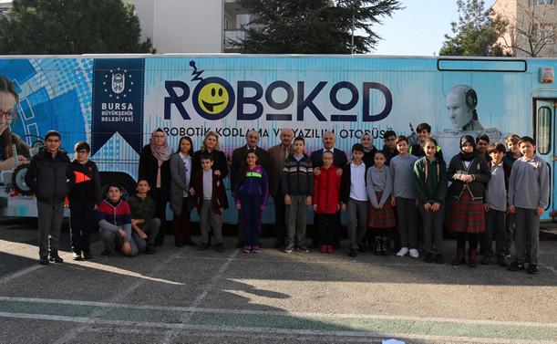 ROBOKOD çocuklara kodlama öğretiyor