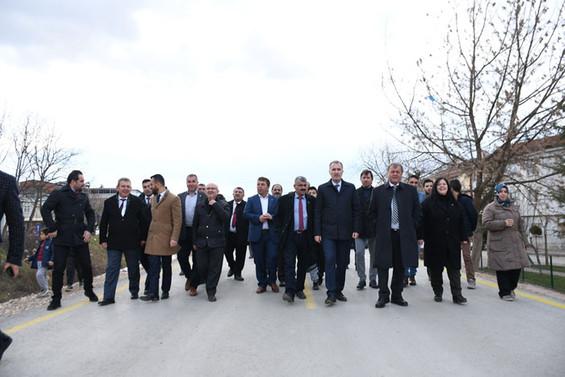 İnegöl'ün beton yolu hizmete açıldı