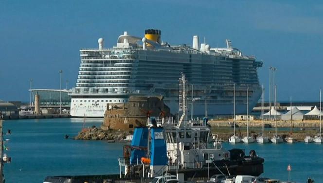 Dev yolcu gemisinde koronavirüs alarmı!