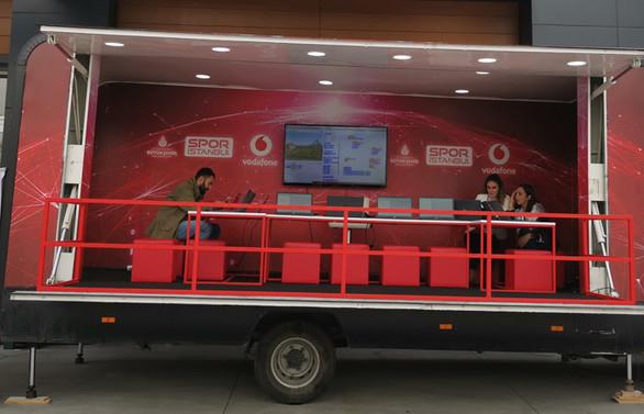 Vodafone Kodlama Minibüsü İstanbul turuna çıkıyor