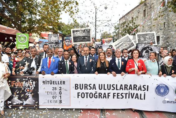 BursaFotoFest renkli görüntülerle sona erdi