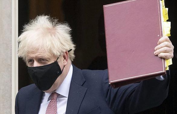 İngiltere Başbakanı Johnson yeni kısıtlamaları açıkladı