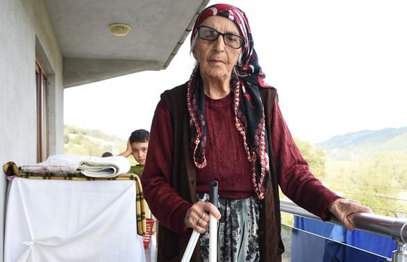 Kalp ve tansiyon hastası 95 yaşındaki Fatma Aya COVID-19'u yendi
