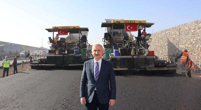 Ulaştırma ve Altyapı Bakanı Karaismailoğlu'ndan Kömürhan Köprüsü çalışmaları ziyareti
