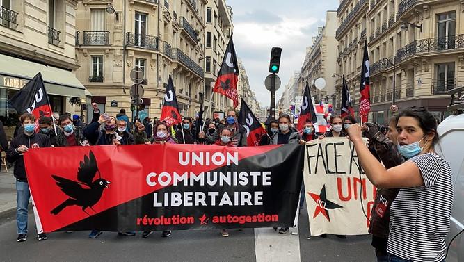 Fransa'da işçi sendikaları ve göçmenlerden hükümet protestosu