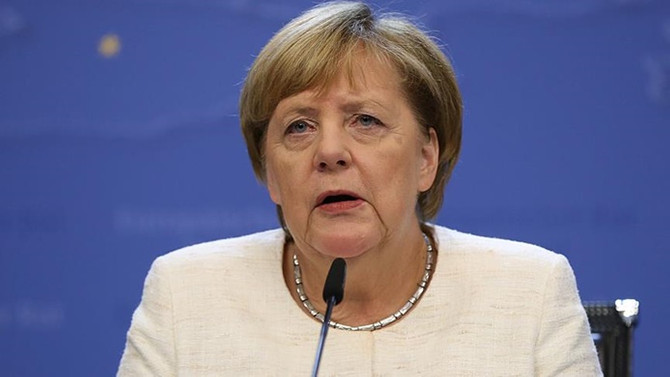 Merkel: Brexit görüşmelerinde bir ilerleme yok