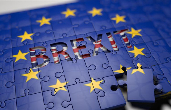 COVID-19 ve anlaşmasız Brexit'in maliyeti yıllık 174 milyar dolara ulaşabilir