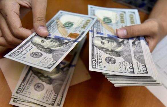 Dolar, 10 ay sonra 6,05'i gördü