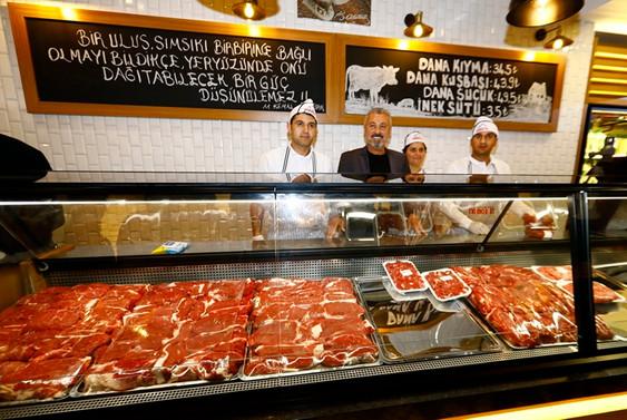 Manavgat belediyesi et-süt tanzim satış mağazası açtı