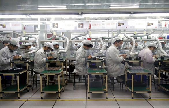 Covid-19 salgını küresel imalatın resesyondan çıkmasına engel