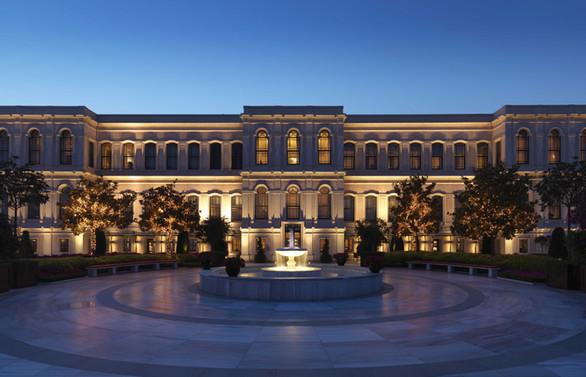 Four Seasons İstanbul'a Forbes Travel Guide'dan 5 yıldız