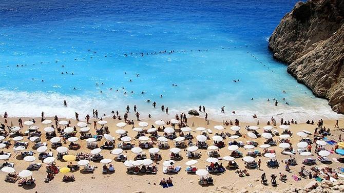 Antalya, 2020'ye turizm rekoruyla başladı