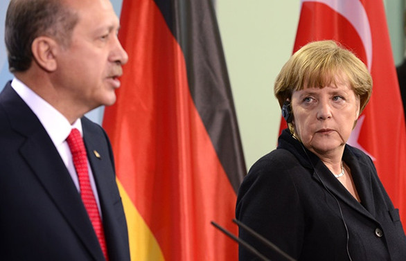 Merkel: Türk birliklerine yönelik saldırıyı kınıyorum
