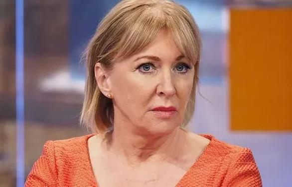 İngiltere Sağlık Bakan Yardımcısı Dorries'te virüs tespit edildi